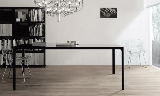 Итальянские столы из стекла и алюминия Rimadesio